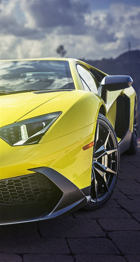 Yellow Lamborghini Aventador Supercar - The iPhone Wallpapers