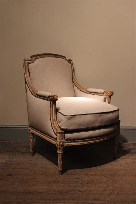 Large Louis XVI Style Painted Bergere, Circa 1910 - Furniture