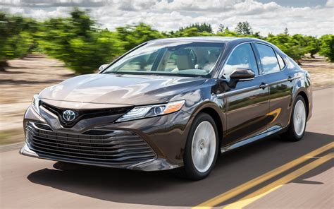 2018 Toyota Camry Hybrid XLE - Wallpapers and HD Images